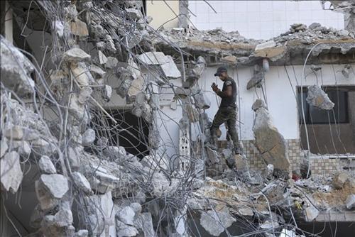 Israel không kích các cơ sở quân sự ở Dải Gaza