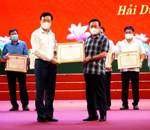Hải Dương Khen thưởng nhiều tập thể, cá nhân có thành tích trong công tác bầu cử