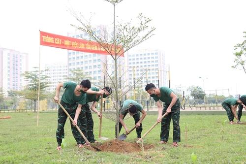 Tuổi trẻ Trường Đại học Chính trị chung tay bảo vệ môi trường