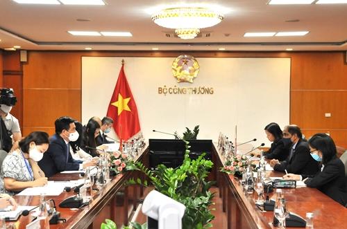 Tăng cường hợp tác song phương giữa Việt Nam và Singapore