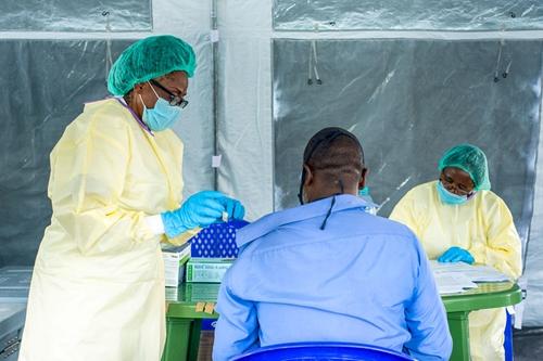 WHO Đại dịch COVID-19 giảm tuần thứ 8 liên tiếp song vẫn tăng tại châu Phi