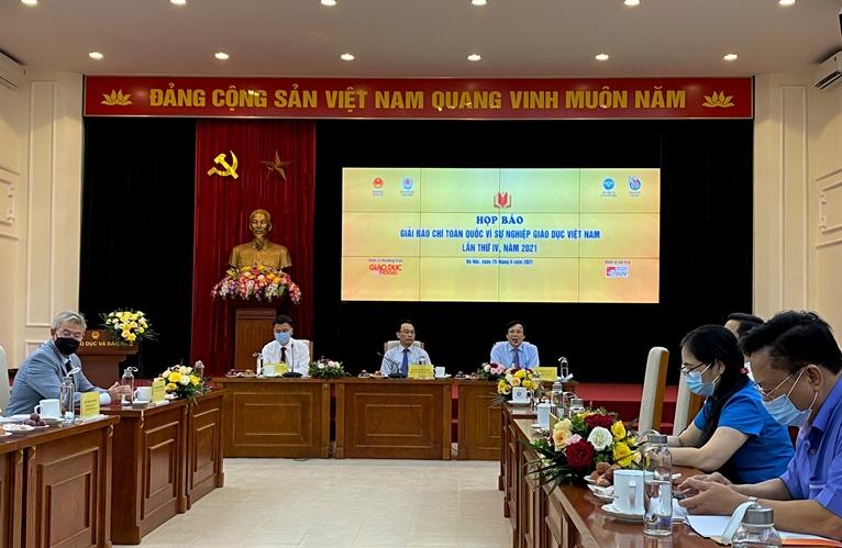 """Công bố Giải báo chí toàn quốc """"Vì sự nghiệp giáo dục Việt Nam"""" năm 2021"""