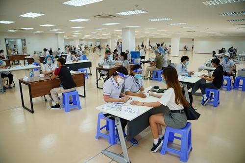 TP Hồ Chí Minh có 667 ca nghi nhiễm COVID-19 trong 24 giờ
