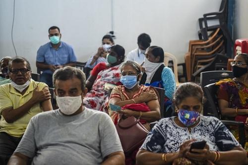 Ấn Độ Khoảng 2 500 người bị tiêm vaccine giả ngừa COVID-19