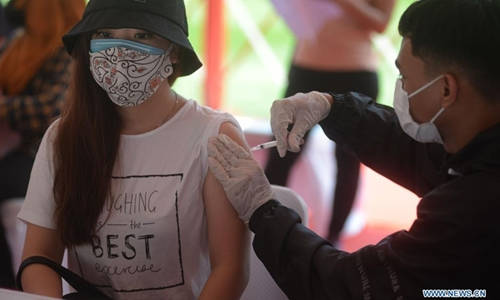 Thế giới có thêm gần 255 000 ca nhiễm COVID-19 mới trong một ngày