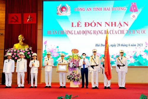 Công an tỉnh Hải Dương đón nhận Huân chương Lao động hạng ba