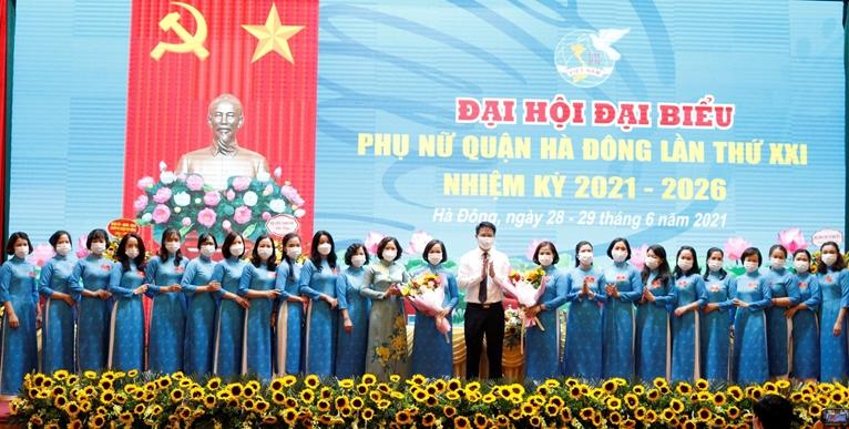 Phụ nữ Hà Đông xứng danh truyền thống quê lụa anh hùng