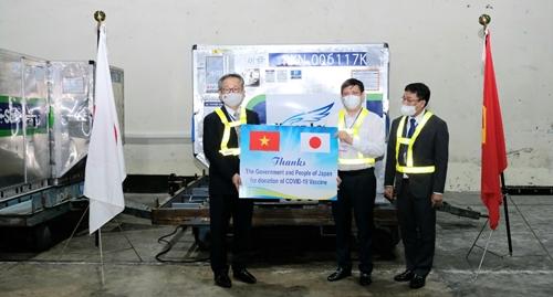 Việt Nam nhận thêm một triệu liều vaccine COVID-19 từ Nhật Bản
