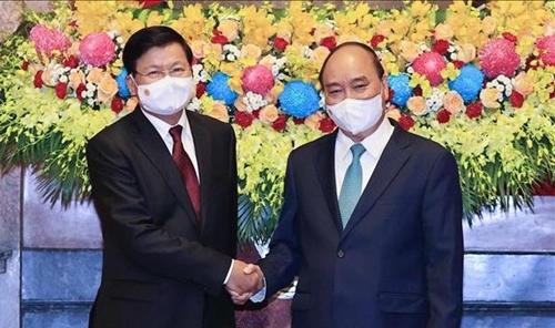 Chủ tịch nước Nguyễn Xuân Phúc hội kiến với Tổng Bí thư, Chủ tịch nước CHDCND Lào Thoong-lun Xỉ-xu-lít