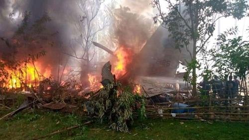 Máy bay quân sự chở 85 người bị rơi ở miền Nam Philippines