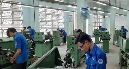 Long An lao động nông thôn có việc làm do được đào tạo nghề