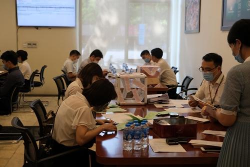 CTCP Sản xuất và Thương mại Nhựa Việt Thành bán hết 100 cổ phần chào bán