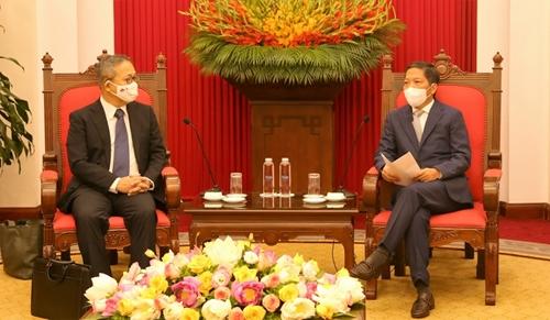 Trưởng Ban Kinh tế Trung ương tiếp Đại sứ Nhật Bản, Singapore và New Zealand