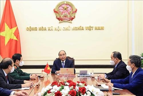Chủ tịch nước Nguyễn Xuân Phúc điện đàm với Tổng thống nước Cộng hòa Indonesia