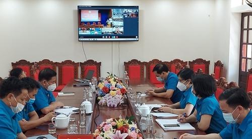 Nhiều hoạt động kỷ niệm 92 năm ngày thành lập Công đoàn Việt Nam