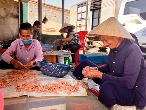 Quảng Ninh, Quảng Bình Duy trì giao dịch vốn tín dụng chính sách an toàn thời dịch bệnh