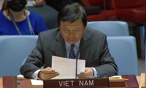 Thúc đẩy việc bảo vệ nhân viên nhân đạo trong xung đột vũ trang