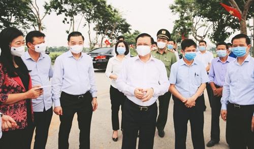 Bí thư Thành ủy Hà Nội Đinh Tiến Dũng Gia cố toàn bộ các biện pháp phòng, chống COVID-19
