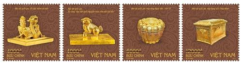 Giới thiệu bộ tem về bảo vật quốc gia Việt Nam