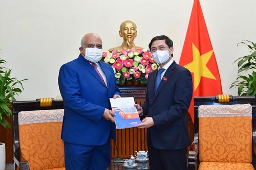 Quan hệ truyền thống đặc biệt Việt Nam – Cu-ba không ngừng củng cố và phát triển