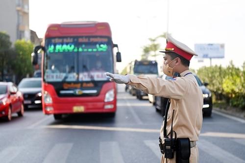 Hà Nội Hơn 1 400 phương tiện bị yêu cầu quay đầu xe ở các chốt kiểm dịch