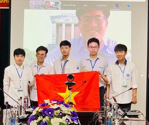 6 6 học sinh Việt Nam đều giành huy chương tại Kỳ thi Olympic Toán học quốc tế 2021