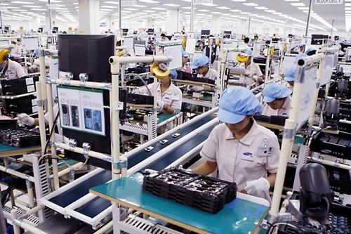 Tạo cơ chế khuyến khích sản xuất linh kiện, sản phẩm trung gian trong nước thay thế nhập khẩu