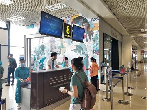 200 y bác sĩ từ 20 bệnh viện và trung tâm y tế đến miền nam chống dịch