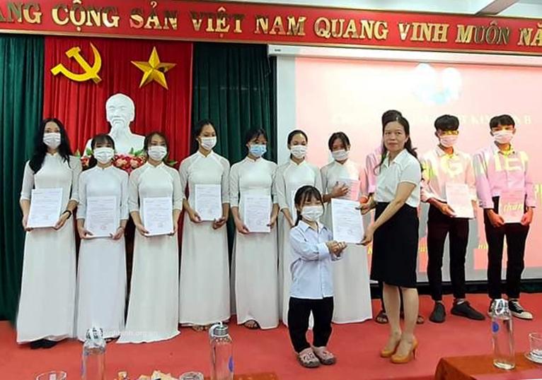 Nguyễn Thị Phương-Nữ đảng viên trẻ đặc biệt