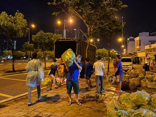 """""""Những chuyến xe nghĩa tình"""" đến Thành phố Hồ Chí Minh"""