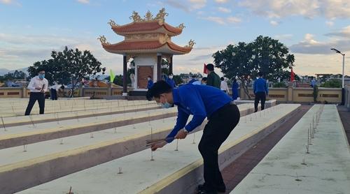 Tuổi trẻ Đà Nẵng tổ chức các hoạt động tri ân các Anh hùng liệt sĩ