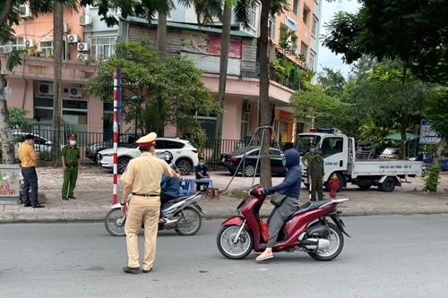 Hà Nội xử phạt hơn 3 tỷ đồng các trường hợp vi phạm sau 4 ngày giãn cách xã hội