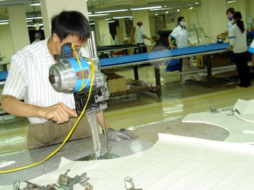 VCCI kiến nghị giải pháp hỗ trợ doanh nghiệp phục hồi sản xuất