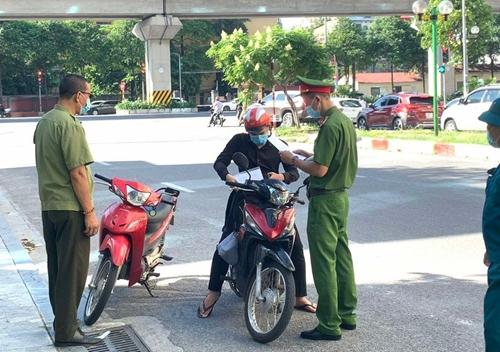 Hà Nội xử phạt gần 5 tỷ đồng các vi phạm sau 5 ngày giãn xã hội