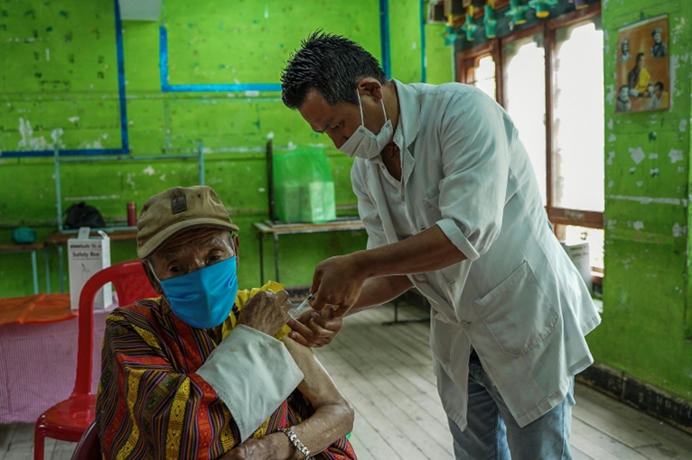 Bhutan Chỉ trong vòng một tuần, hơn 90 dân số được tiêm mũi vaccine thứ hai ngừa COVID-19