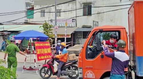 TP Hồ Chí Minh tạo điều kiện thuận lợi cho phương tiện lưu thông hàng hóa thiết yếu