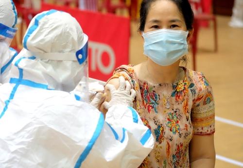Đà Nẵng tiêm vắc-xin phòng COVID-19 cho nhiều đối tượng