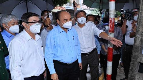 Chủ tịch nước động viên người dân TP Hồ Chí Minh khắc phục khó khăn, chiến thắng đại dịch