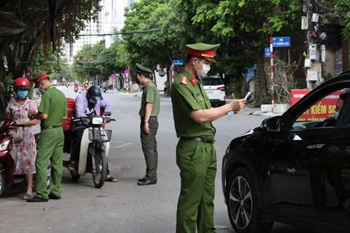 Hà Nội xử phạt 7 tỷ đồng sau 1 tuần giãn cách xã hội