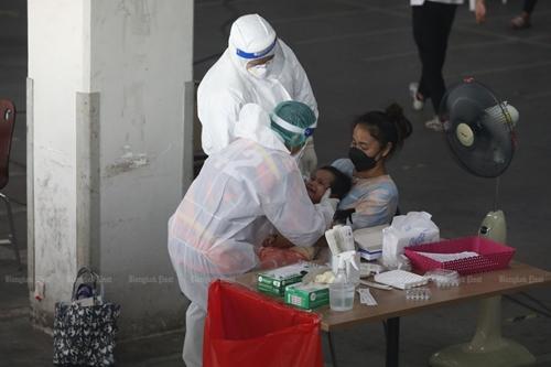Thái Lan thiếu giường bệnh do số ca COVID-19 tăng mạnh