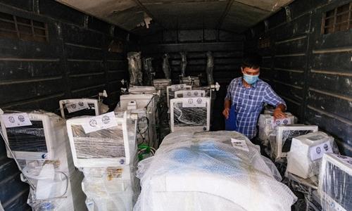 10 tấn trang thiết bị y tế vào Thành phố Hồ Chí Minh bằng tàu hỏa