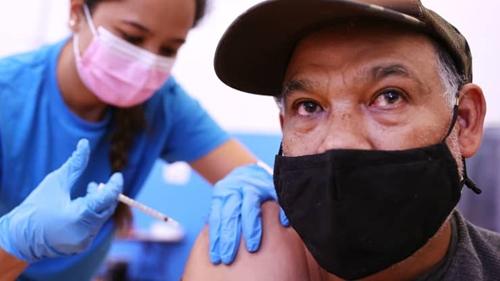 Mỹ đạt mục tiêu tiêm vaccine COVID-19 cho 70 dân số trưởng thành