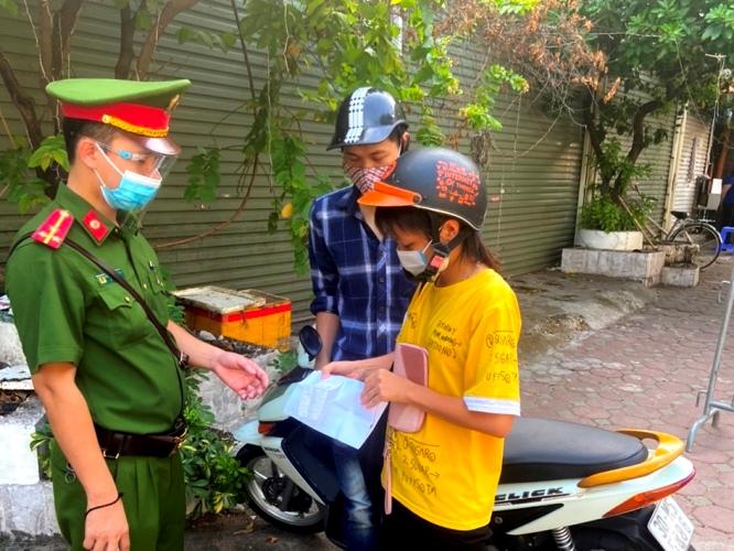 12 ngày giãn cách xã hội, Hà Nội xử phạt trường hợp vi phạm với số tiền 14,3 tỷ đồng