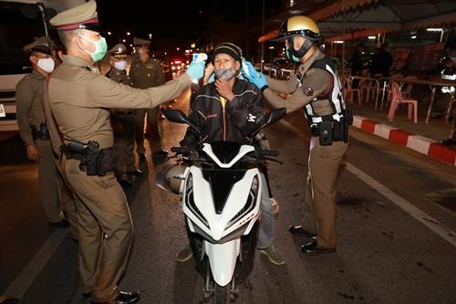 Số ca mắc mới cao kỷ lục, Thái Lan mở rộng lệnh phong tỏa