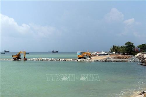 Lập báo cáo đánh giá tác động môi trường khi xây dựng dự án lấn biển