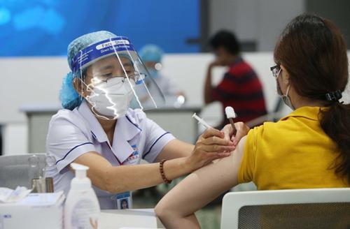 Hãy tiêm vaccine vì sức khỏe cộng đồng