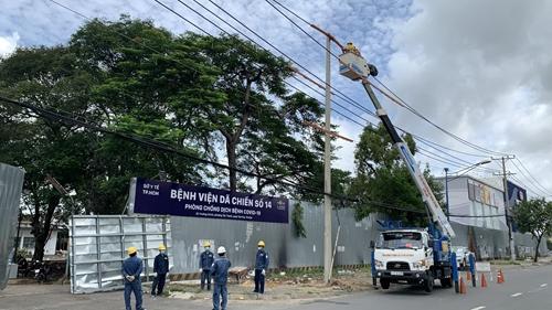 Thi công không kể ngày đêm, cấp điện kịp thời cho 3 trung tâm hồi sức tích cực tại TP Hồ Chí Minh điều trị bệnh nhân COVID-19