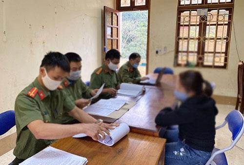 Giáo viên có được hưởng phụ cấp thâm niên khi bị tạm giữ, tạm giam