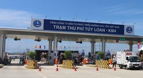 Tạm dừng 2 trạm thu phí cao tốc Đà Nẵng - Quảng Ngãi