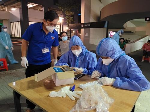 Nỗ lực hỗ trợ người dân có hoàn cảnh khó khăn trong dịch bệnh
